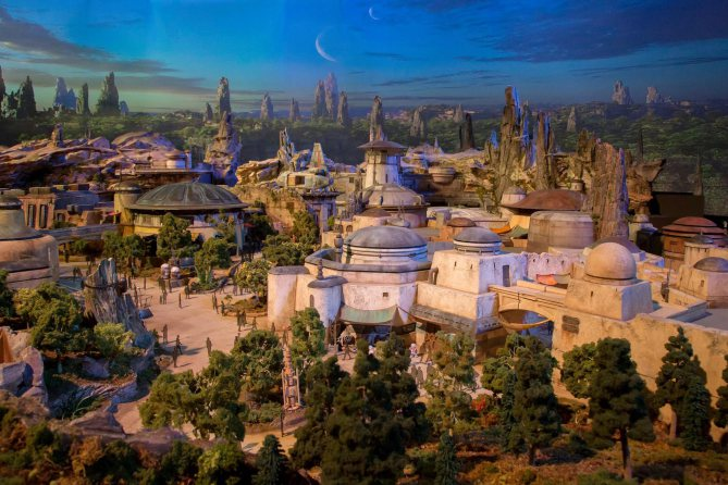 StarWars land details revealed in new look at Disney parks: