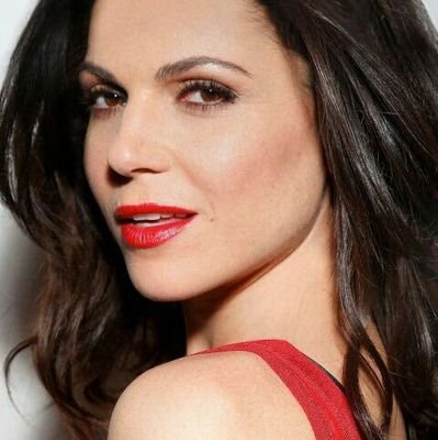 Happy birthday to a beautiful woman: Lana Parrilla!