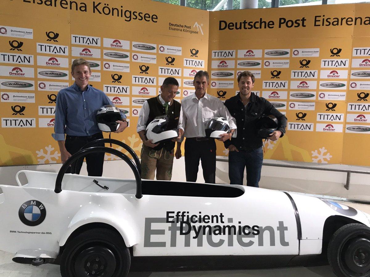 Bürgermeister schieben an! #bobsleigh #sommerbob #berchtesgaden #königssee #Stützpunktfest #BSDsports https://t.co/YASye0qdY3