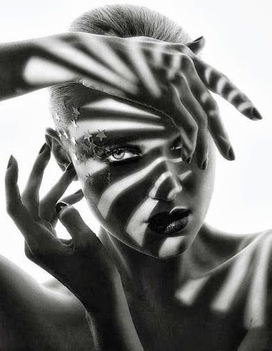 """""""Toutes les femmes sont jolies, beaucoup sont belles, quelques-unes sont rares.""""   __Jean-Claude Lalanne-Cassou https://t.co/opEScVfWpn"""