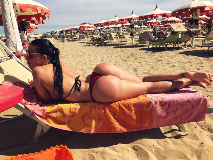 I love to see frustrated women face #italy #curves #alettaocean #catchmeifyoucan https://t.co/hjzBHL