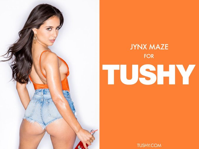 FANS!! ⚡️ @JynxMazeCutie's #TUSHY debut is NOW AVAILABLE!! Best. #SexySaturday. Ever!! » https://t.co/2wHcBaqCVJ