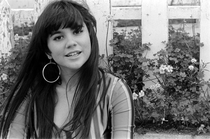 Happy 71st birthday Linda Ronstadt!     Picture: Henry Diltz (1968)