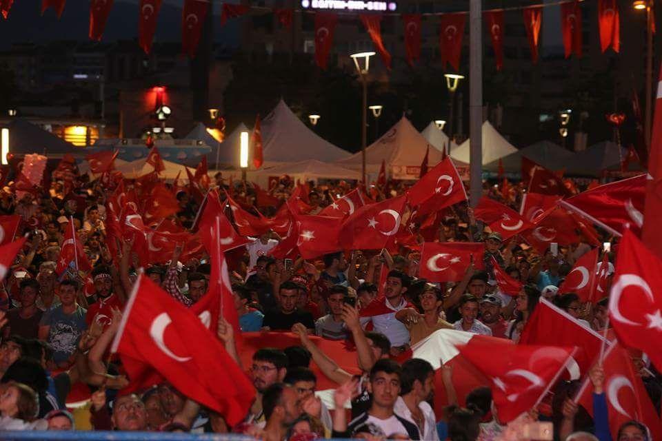 RT @akkayserim38: Kayseri'de SelalarOkunuyor #Nöbetteyiz https://t.co/lvJPl2ZxNP