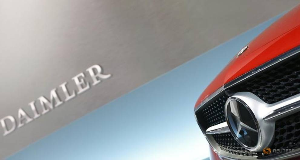 Daimler finance arm expects record year after first-half gains