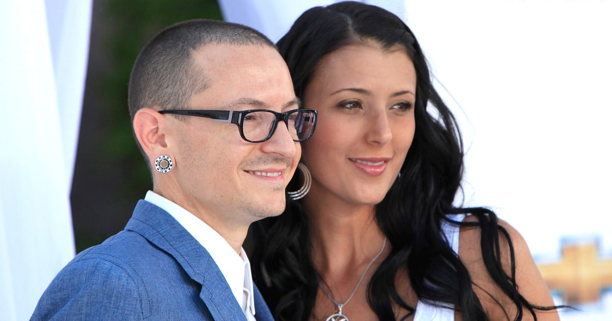 "Chester Bennington's widow Talinda ""How do I move on? How do I pick up my shattered soul?"""