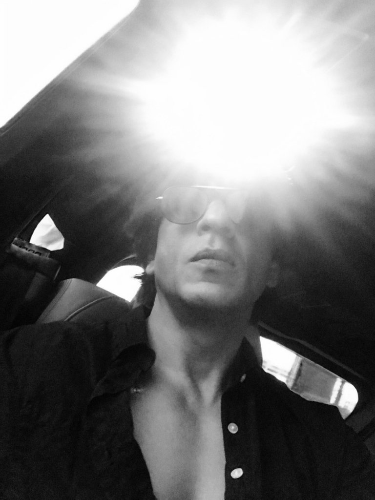 Glares because the Sun doesn't stop shining on you. Thank u life…it's wonderful!