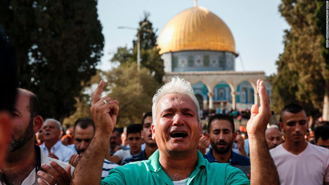 Israel imposes age restrictions on Muslim worshippers at al-Asqa mosque