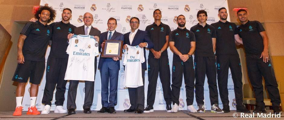 ⚽️☕️🇺🇸 #RMTour ¡Hoy se presentó el Real Madrid Café Miami!👉#RealMadrid #HalaMadrid