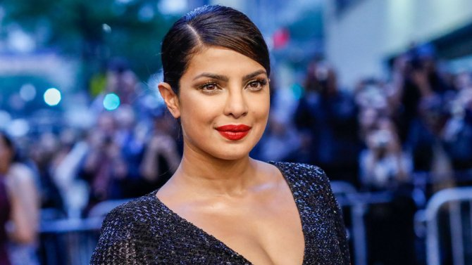 .@priyankachopra is developing a comedy series about a Bollywood star for ABC (EXCLUSIVE)