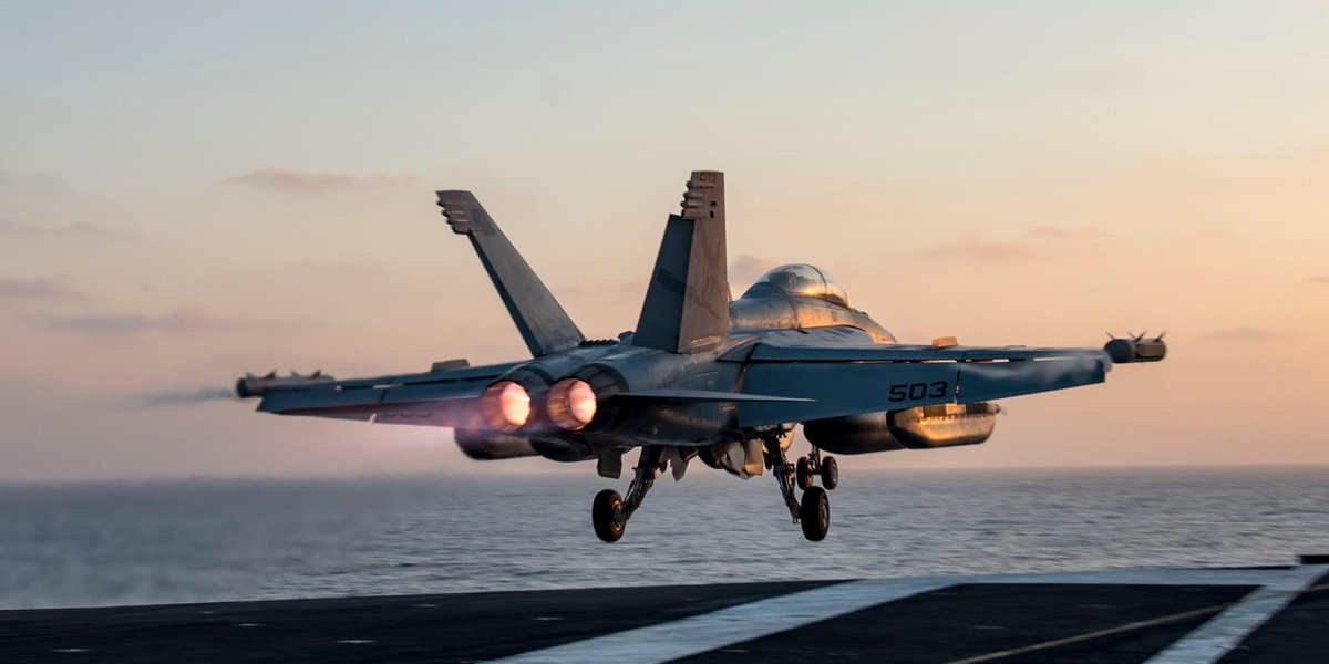 RT @USNavy: #FridayFeeling: Taking off for the weekend? Just know the #USNavy has the watch. https://t.co/Bhnmpq867e