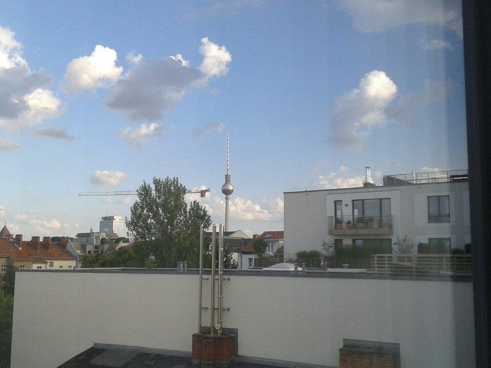 Il cielo sopra Berlino. Arrivati a destinazione anche oggi, siamo nelle mani del gps.