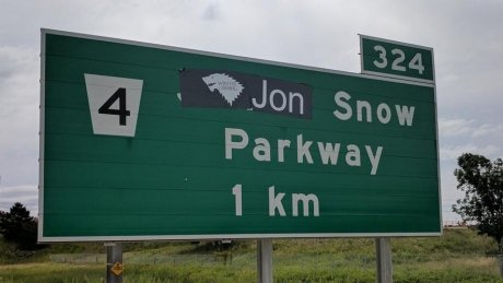 Ontario highway sign goes from James Snow Parkway to Jon Snow Parkway