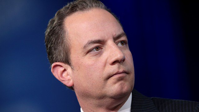 Trump left Priebus on airport tarmac after tweeting he was out https://t.co/Y2KRkClo1U https://t.co/8H5EOijPHs