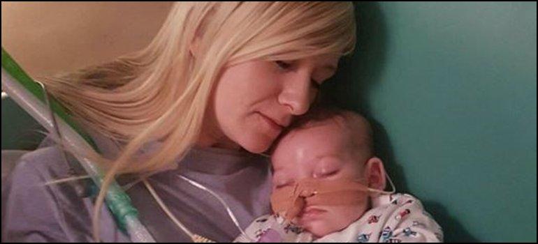 Murió Charlie Gard, el bebé de once meses por el que pedía el papa Francisco https://t.co/mzCyYCnmDJ https://t.co/gHebNkRqhZ