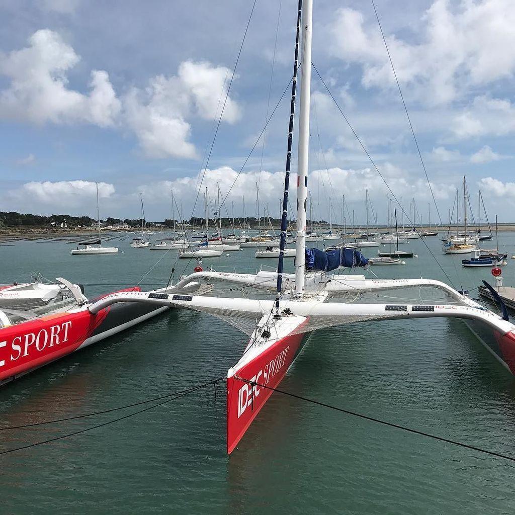test Twitter Media - Idec Sport (Francis Joyon) record du monde Trophée Jules Verne (40 jours). Quel bateau! Impressionnant. (Et félici… https://t.co/kYHf6gf5lw https://t.co/AkUm2WcMza