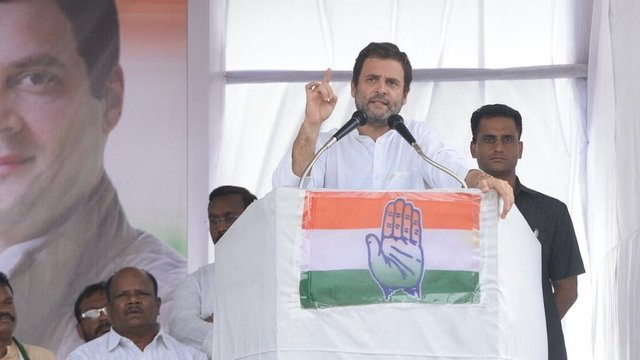 Rahul Gandhi asks Chhattisgarh CM Raman Singh to do a Nawaz Sharif