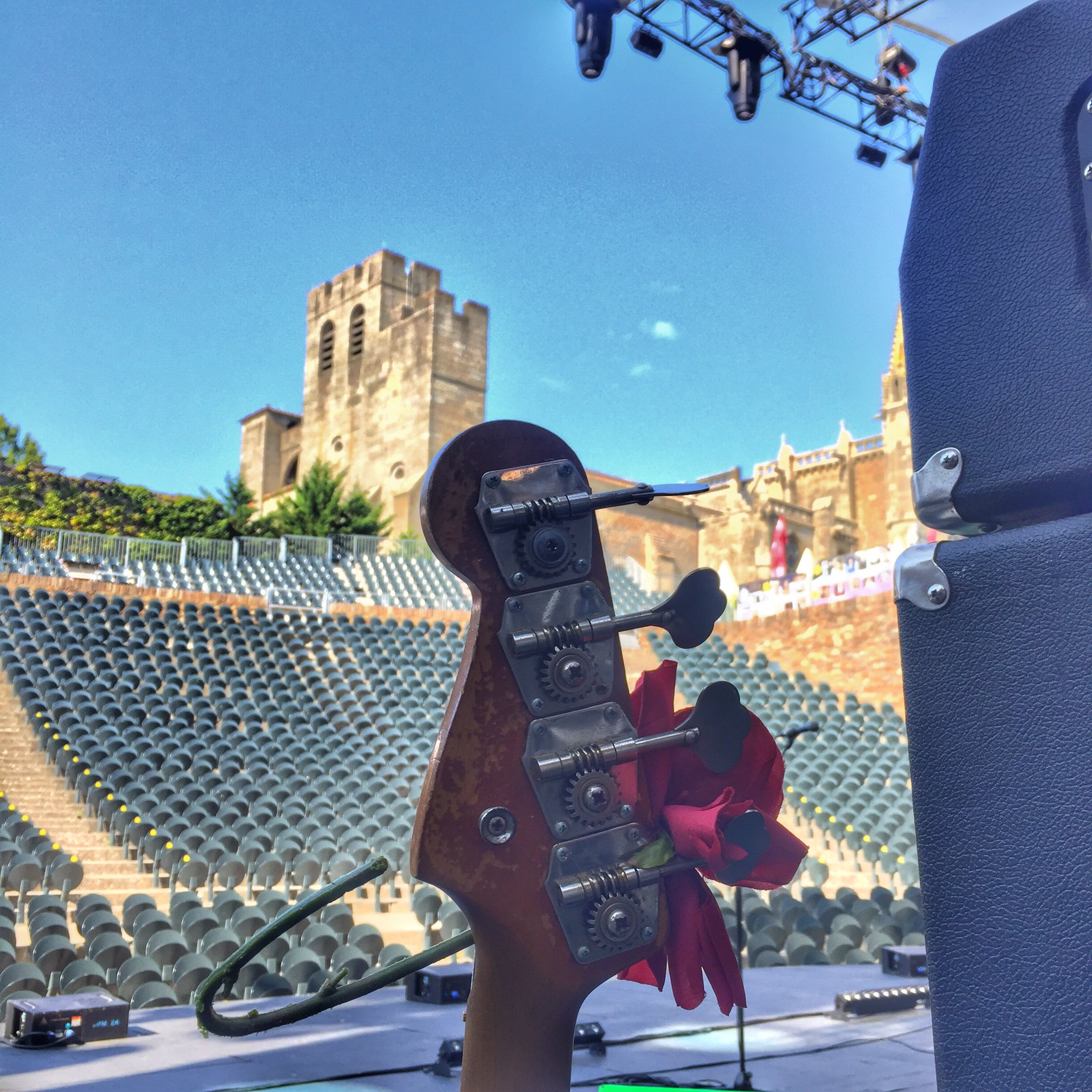 Sound check all finished ....ready for tonight Carcassonne https://t.co/SLzLUopxQt