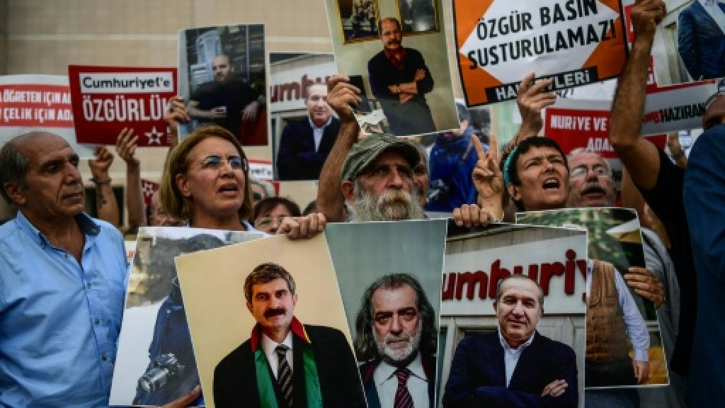 Turkey newspaper staff walk free after over 8 months jail