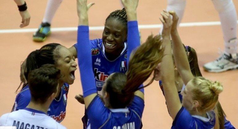 test Twitter Media - Grande affermazione delle azzurrine Under 16: campionesse d'Europa https://t.co/juu0PMsgyS…/volley_europei_u16_l_it…/ https://t.co/1SAv9O9R0o