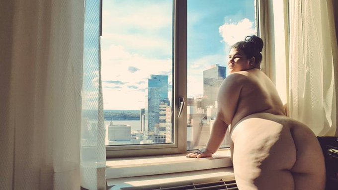 It's my last day in #NYC come see me before I am gone forever! 😜 juicyjazmynne@gmail.com #bbw #bigbutt