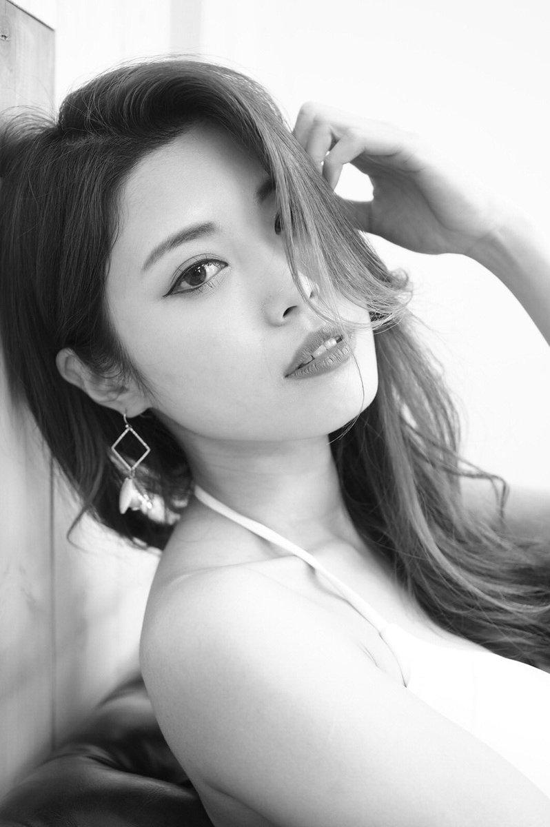 モノクロでここまでセクシーなモデルさん、なかなかいない。#モノクローム #fresh #鳴成美鈴 #ポートレート #美人