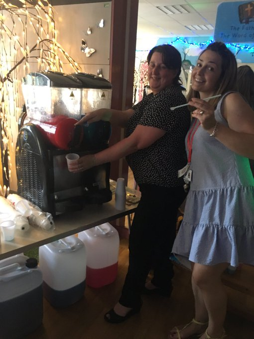 Mmmm slush machine is working well!! https://t.co/TkwHgYKuD8