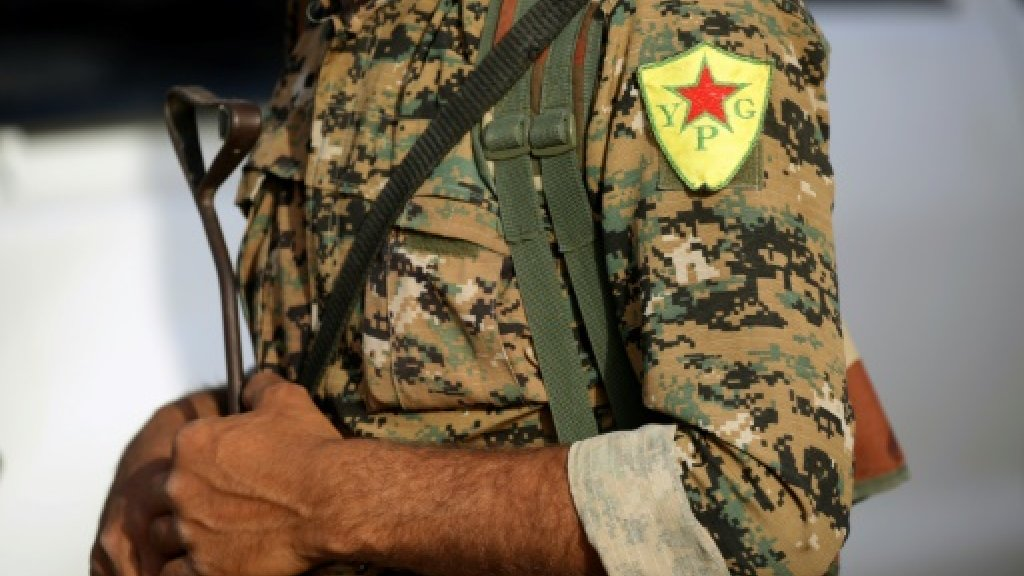 Suicide car bomb kills 4 at Kurdish checkpoint in Syria