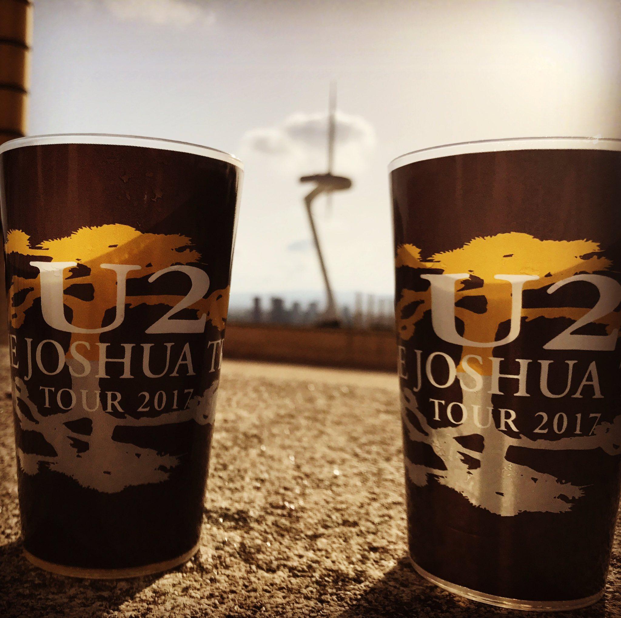 Tot a punt @U2 @U2Barcelona #U2JoshuaTreeTour2017 https://t.co/BFkBAVDnci