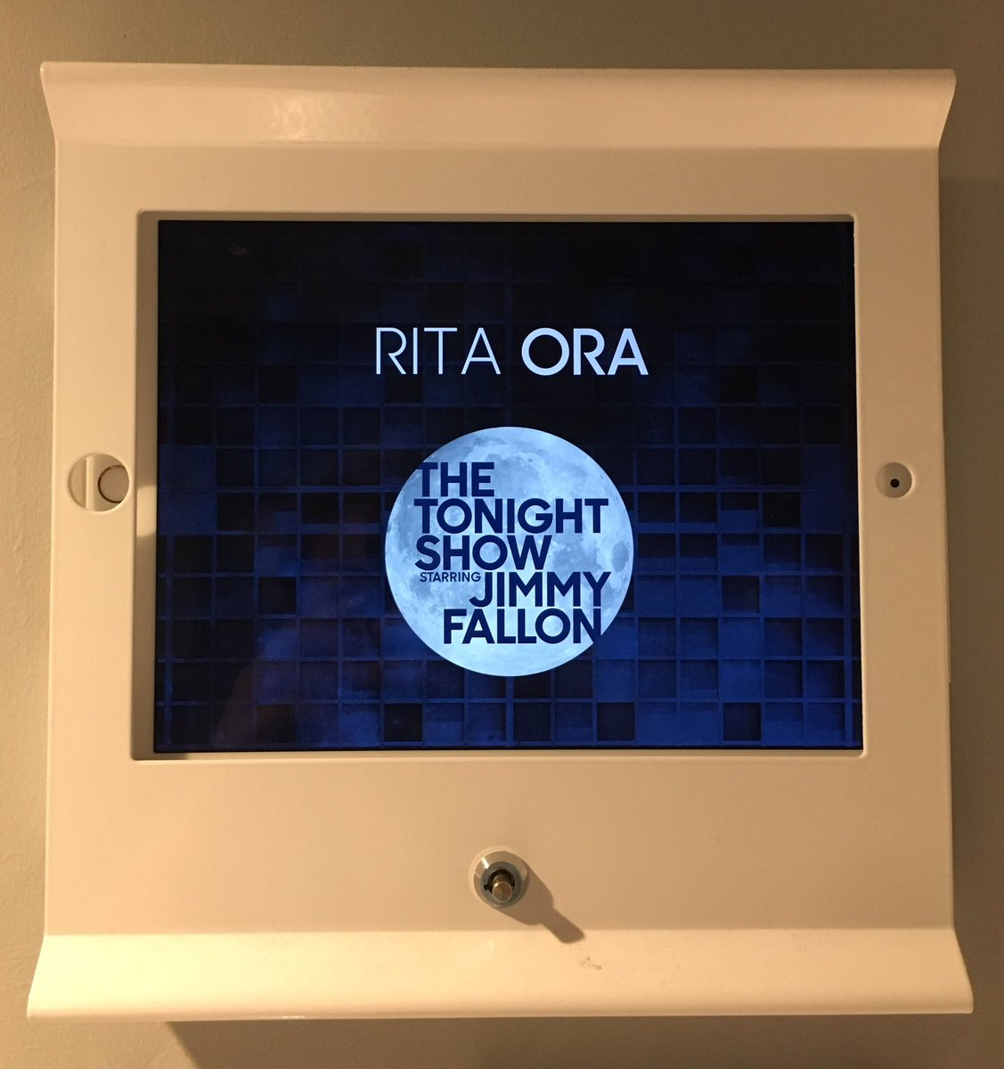 I can't wait to see you @jimmyfallon!! Bots tune-in to @FallonTonight tonight!! I'm performing #YourSong!! ???????????????????????? https://t.co/A2SukTPqDL