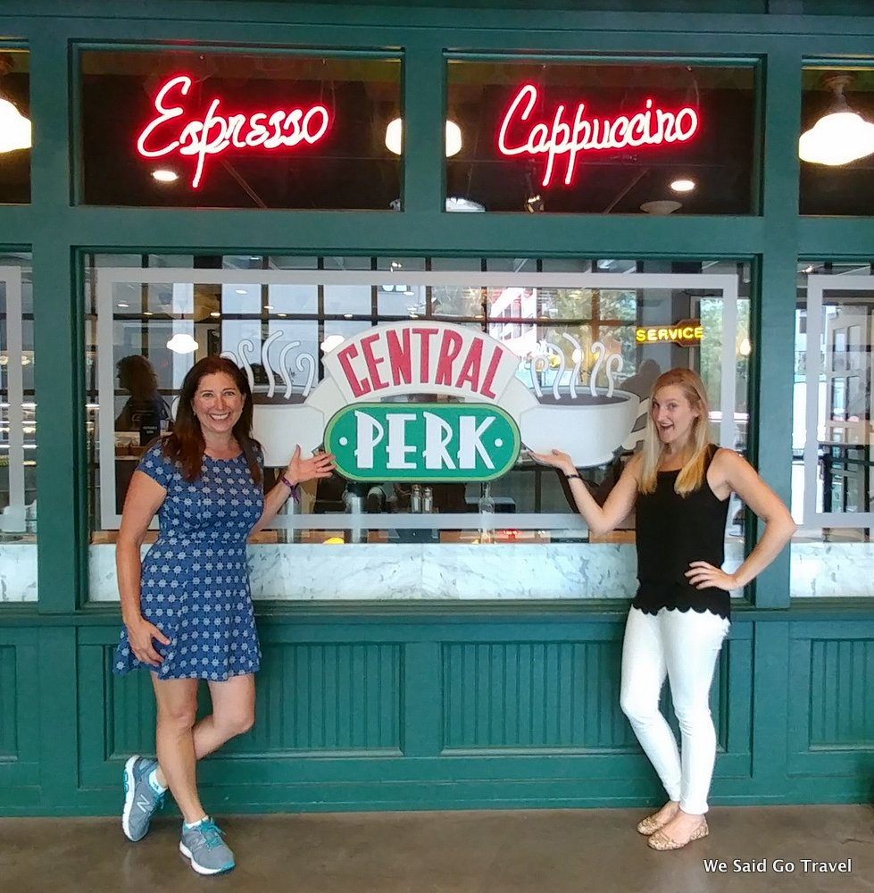 """test Twitter Media - Meet us at """"Central Perk"""" Cafe @FRIENDS Loved the #WBTourHollywood """"""""We were on a break!"""" """"Everybody has a lobster!"""" Thx #ATTSHAPE #LGV20 https://t.co/QKi3emcyN3"""