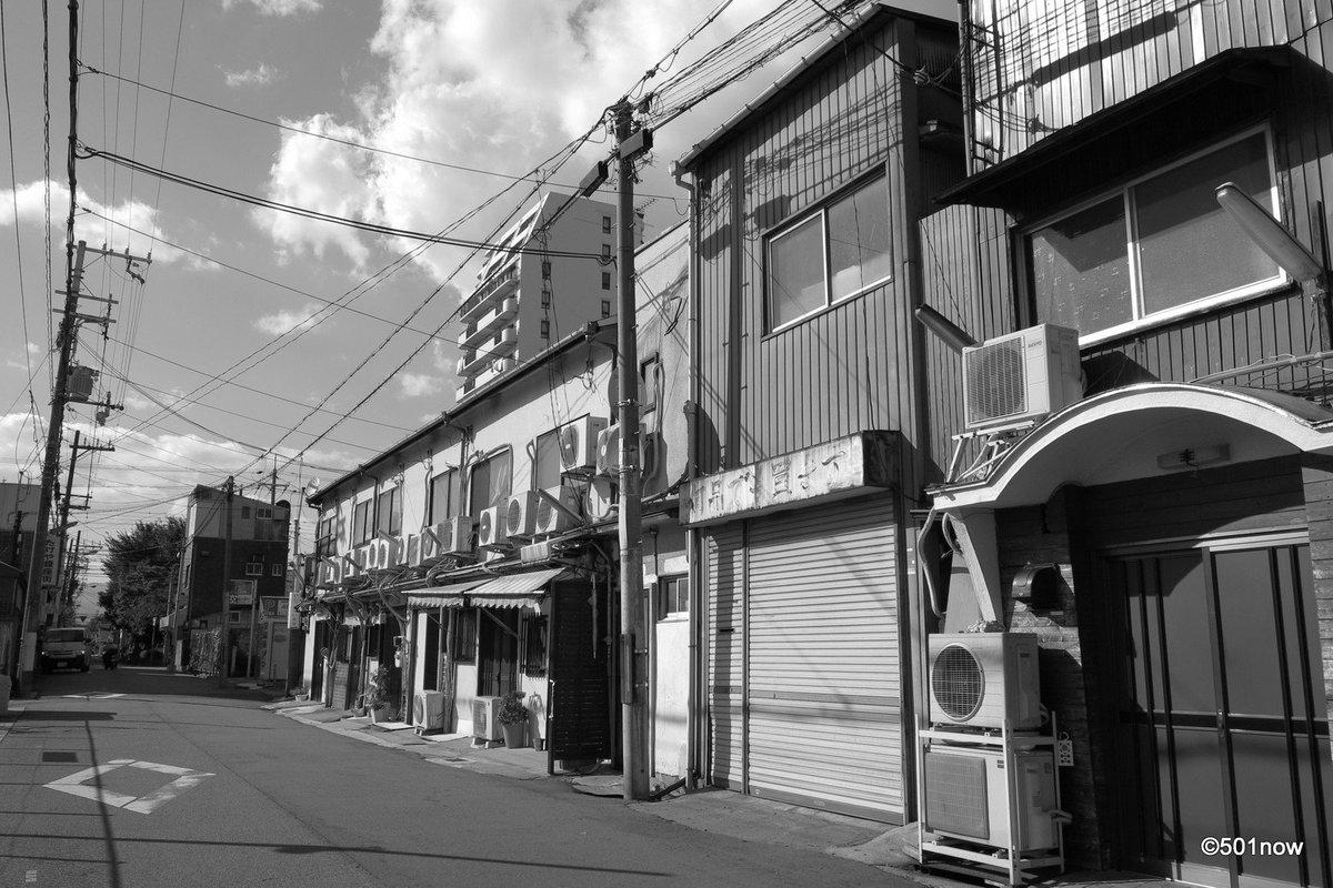 『鎖された街』#尼崎 #かんなみ新地#写真撮ってる人と繋がりたい#写真好きな人と繋がりたい#ファインダー越しの私の世界#