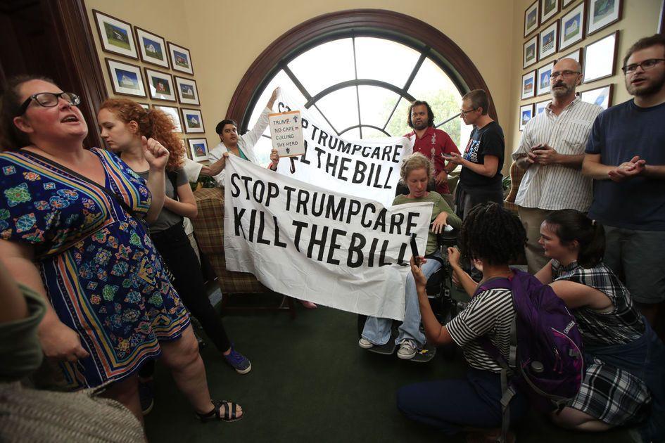 Trump blasts Democrats, 'few Republicans' over collapse of GOP health care bill