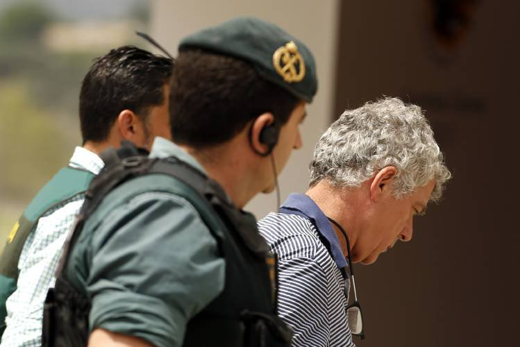 Spanish soccer executive, son arrested in corruption probe