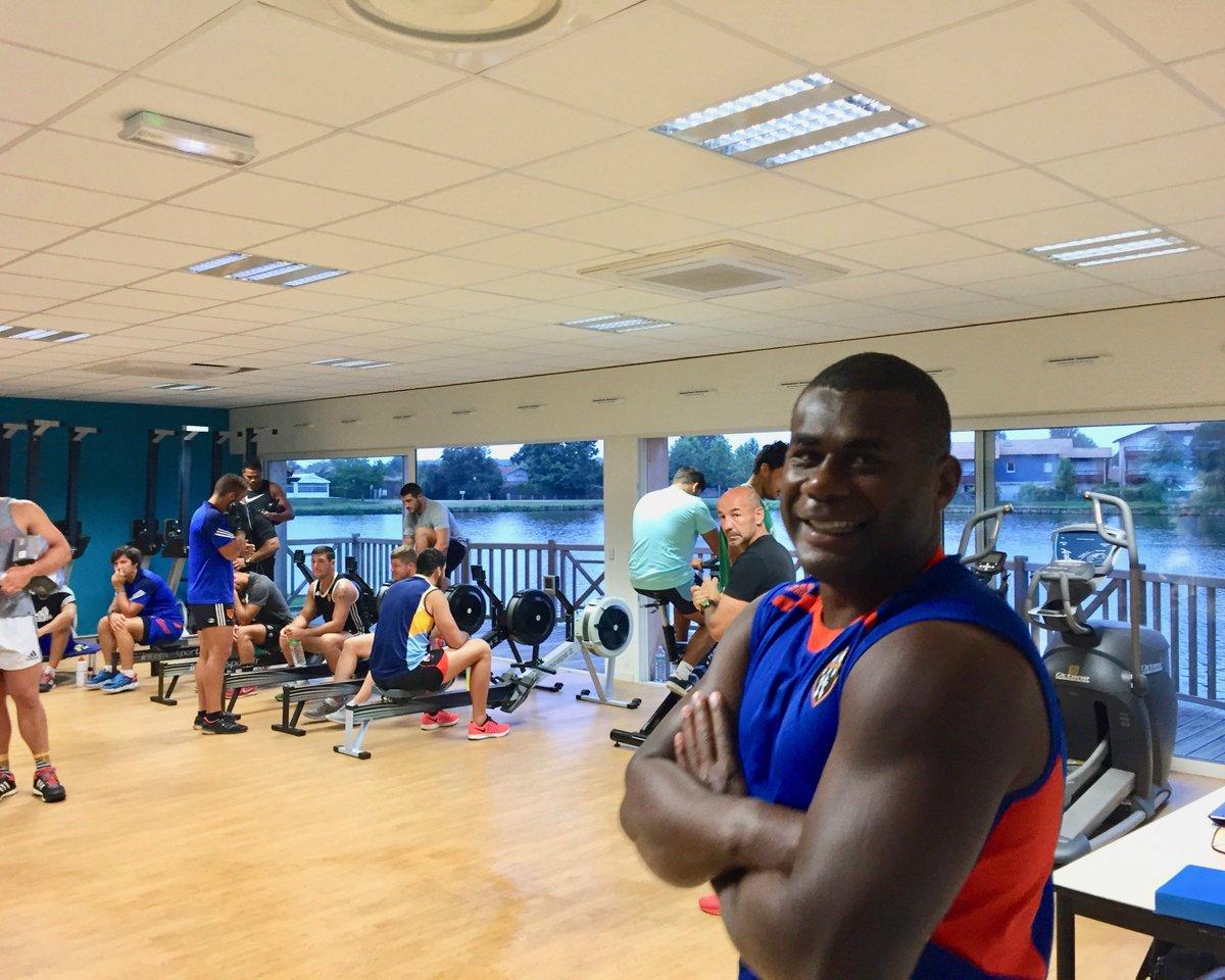 Boxe et musculation étaient au programme ce matin à Soustons 💪🏼👊🏼 #RCNM...