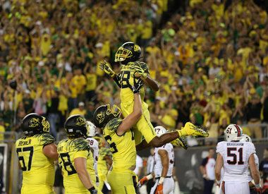Oregon's 'neon' helped Ducks beat Virginia: 'It just kind of plays with your mind'