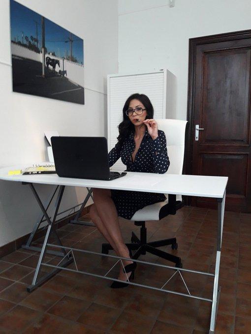 Today shooting with the georgous @Julia_de_Lucia for @Mariskaxxxxxxx productions #adult #porn #vlaamseporno