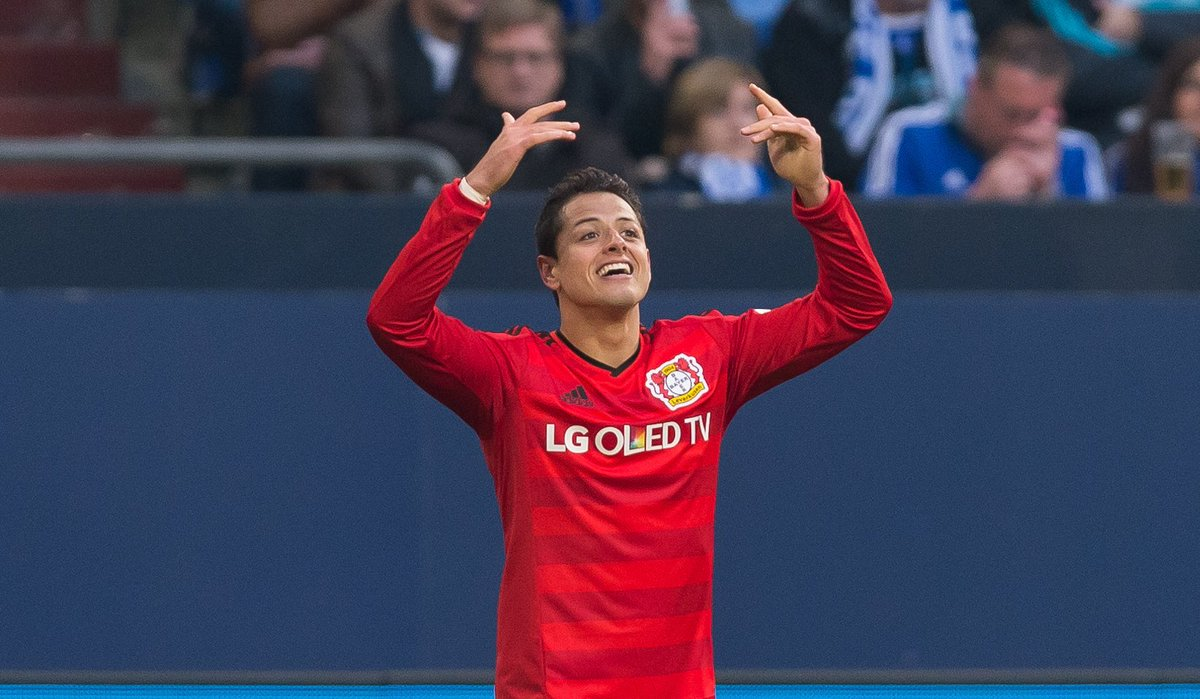 Chicharito to West Ham is DONE! He will be presented on Monday...Buzzing, West Ham fans?!