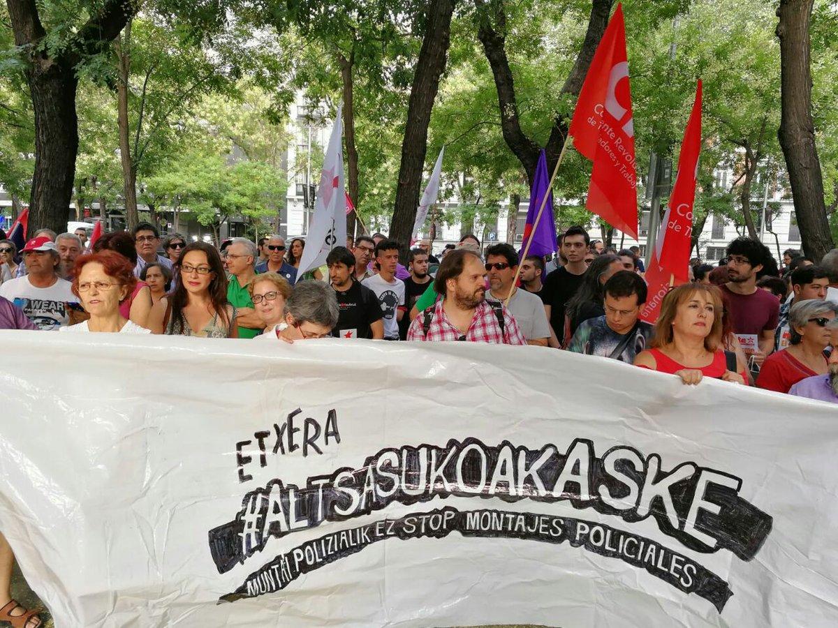 RT @IU_Madrid: Frente a la Fiscalía General exigiendo que se ponga fin a este dislate #AltsasukoakASKE https://t.co/Lbxl3JmYNE