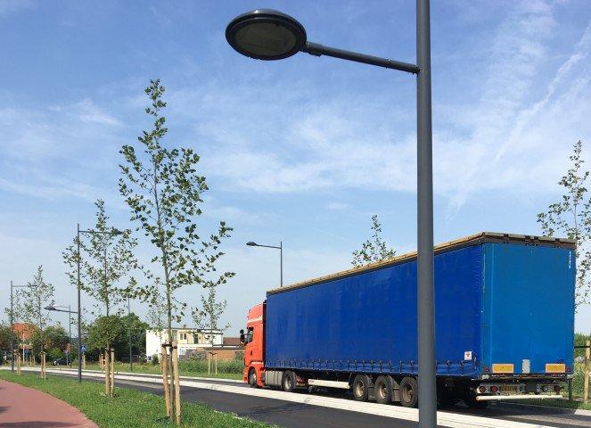 Veel vrachtverkeer langs de Zand- en Waterweg https://t.co/tkK1JrscRW https://t.co/yShUH8p0Px