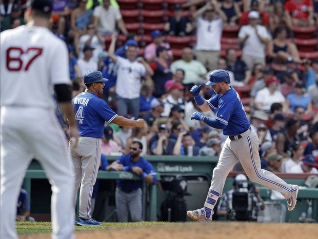 Dustin Pedroia homers, Doug Fister struggles in Boston Red Sox loss to Toronto Blue Jays
