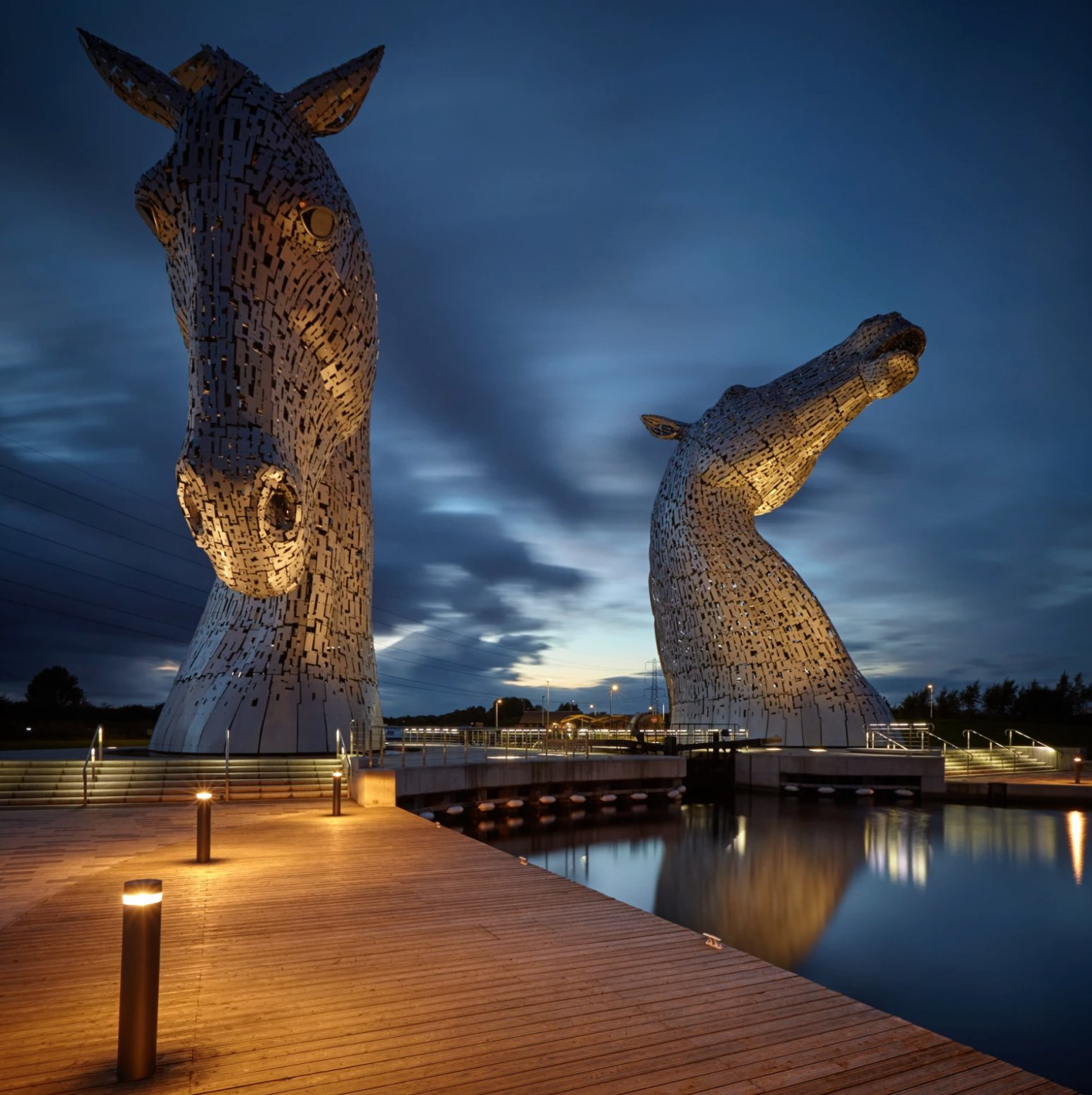 Torres Kelpies, Escocia. https://t.co/sJjfnwccQi