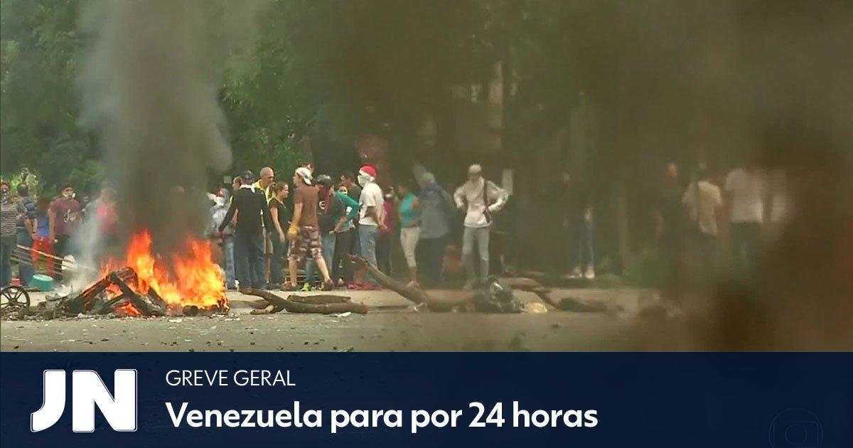Milhões de venezuelanos aderem ao movimento contra o governo de Nicolás Maduro: https://t.co/JOE0ZdWzQJ https://t.co/cdJQM32MK5