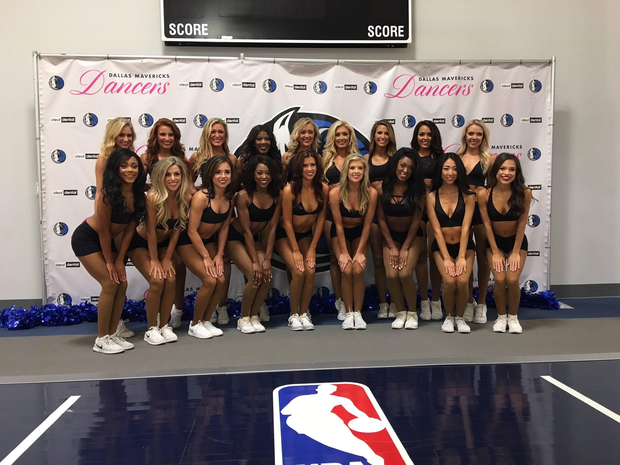 And now the 2017-2018 @MavsDancers presented by @myidealdental! Congrats ladies!!! https://t.co/2F7gytsuOn
