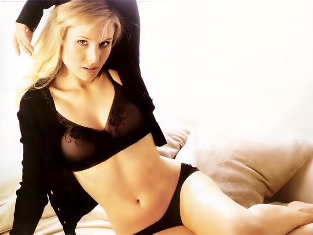 It\s Kristen Bell\s Birthday, So Celebrate With the \Veronica Mars\ Star\s Sexiest Shots .-