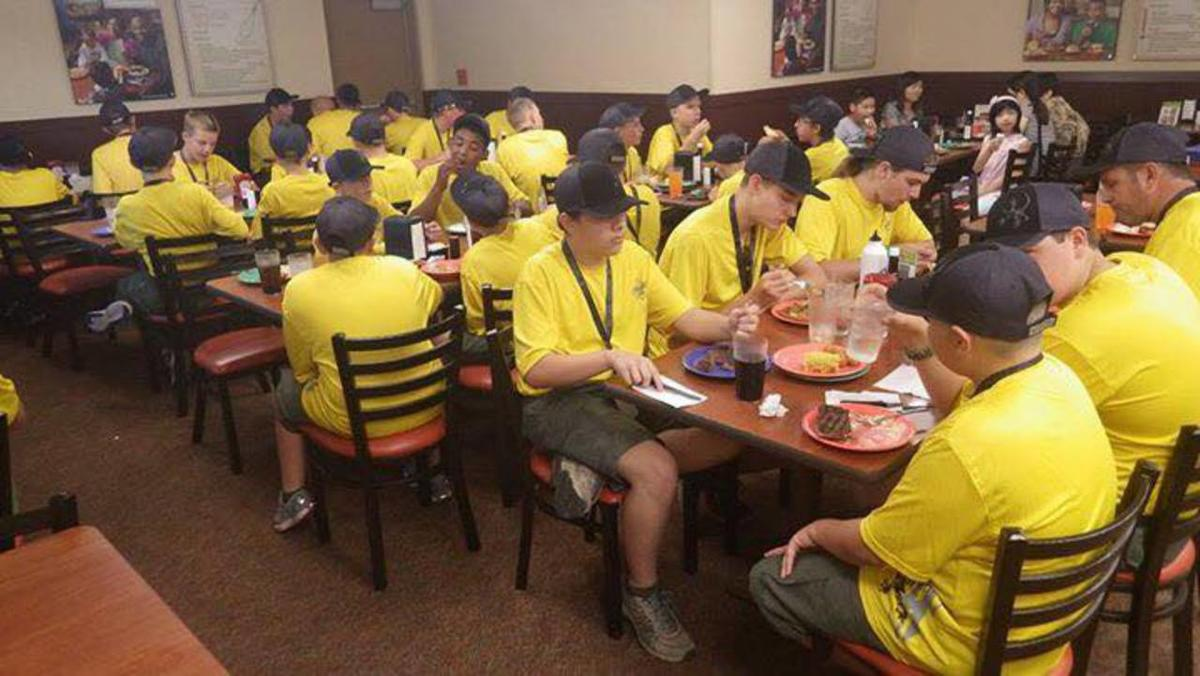 350 Scouts at a buffet restaurant 'do Utah proud,' woman says