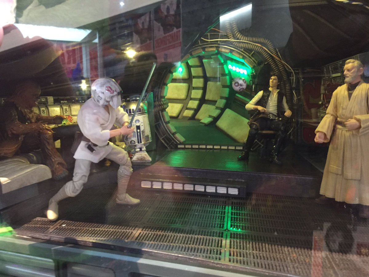 RT @ItCameFromBlog: This @HasbroNews #StarWars Black display is amazing! 2 of 2 #ComicCon https://t.co/GZzxB0lIZg