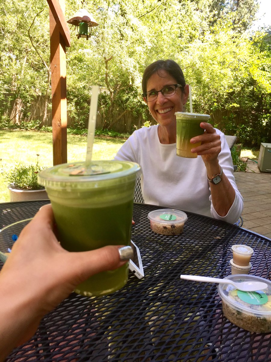 test Twitter Media - Green drinks & quinoa on the patio with my mom! Best day! 🏔🍀 https://t.co/wDpmod3iJS