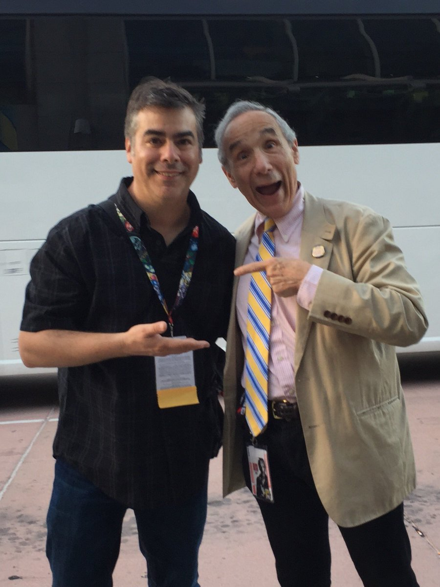 RT @ItCameFromBlog: With Mr. Troma hinself, @lloydkaufman at #ComicCon. #SDCC2017 @Troma_Team  #ItCameFromBlog https://t.co/lwgaz1MJvs