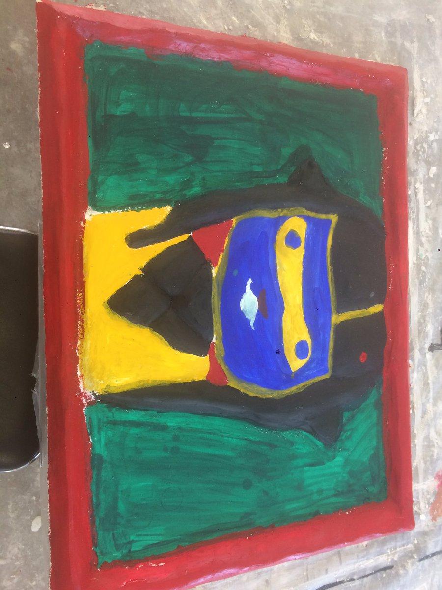 漆喰を塗り付けて作品を作るって授業で、スプラトゥーンのイカちゃん作ったって人居たから、お??と思って見に行ったら予想外の
